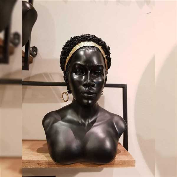 פסל אישה אפריקאית SOLD OUT