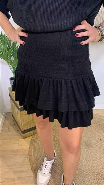 חצאית גומי סרוגה שחורה