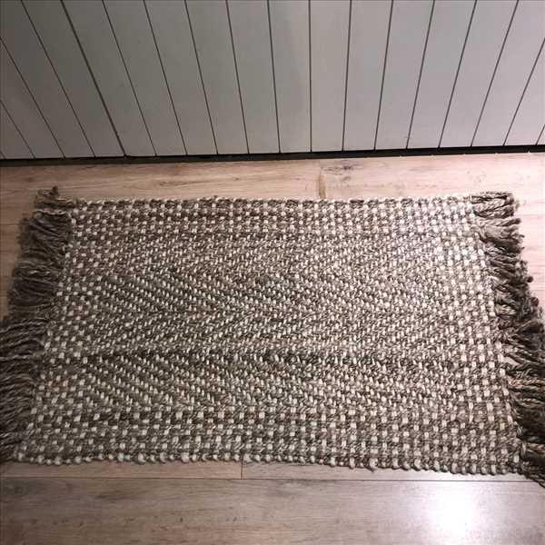 שטיח קש שילוב בז פרנזים