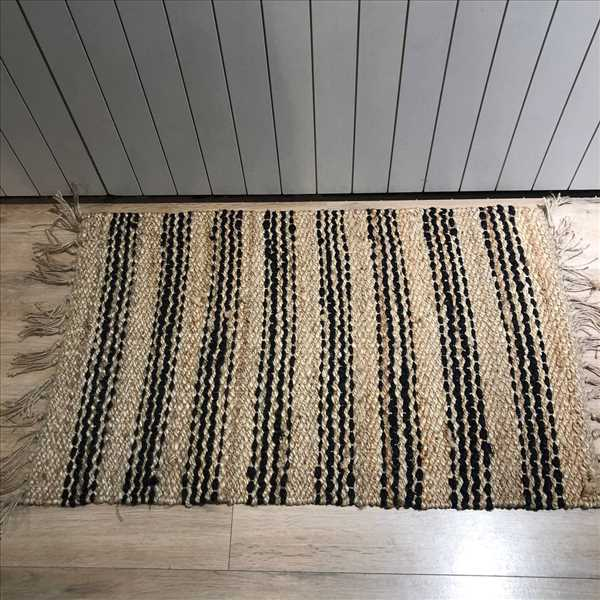 שטיח קש שילוב שחור פרנזים