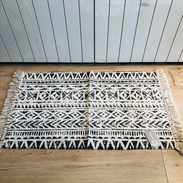 שטיח אמבטיה גיאומטרי קרם